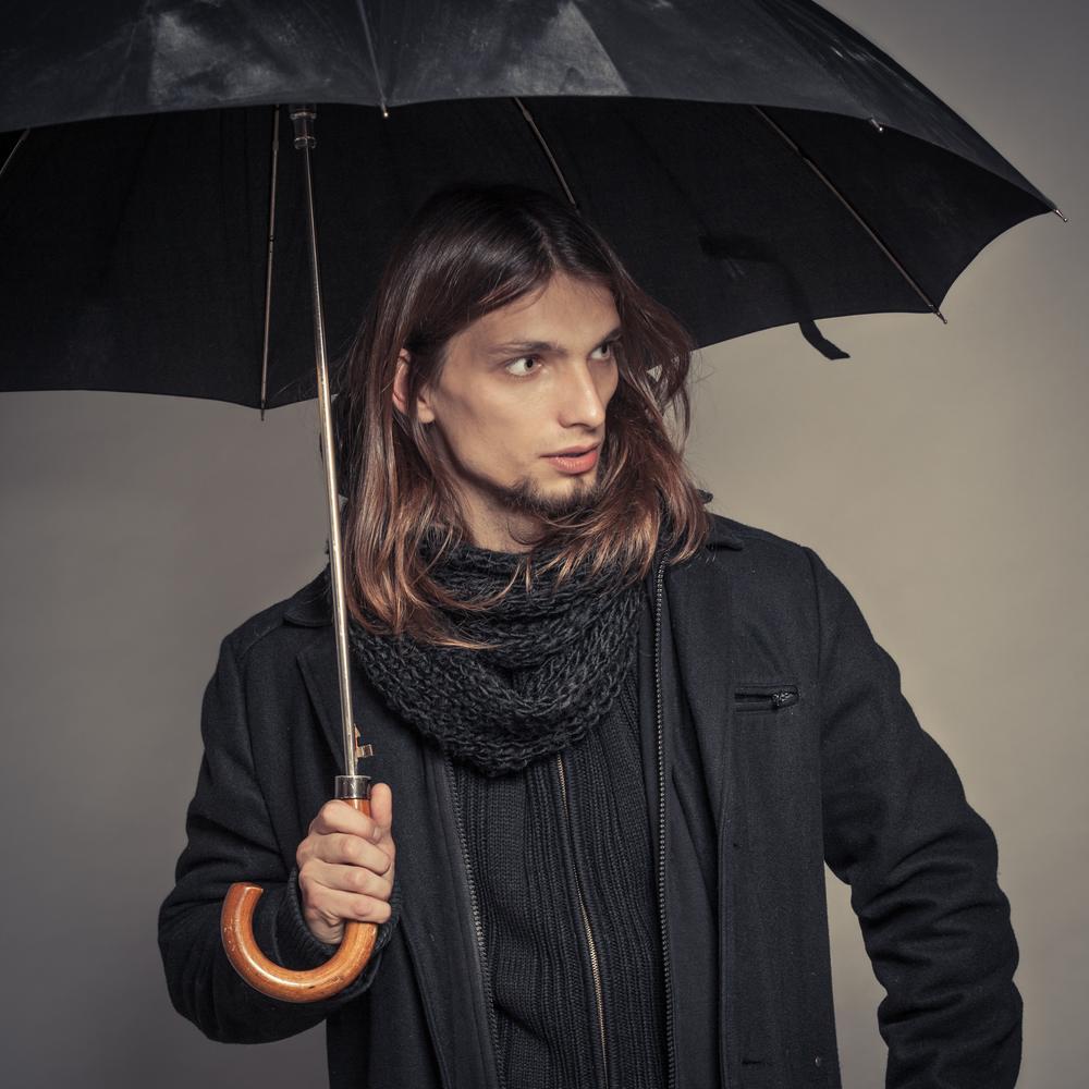 parasol z drewnianą rączką